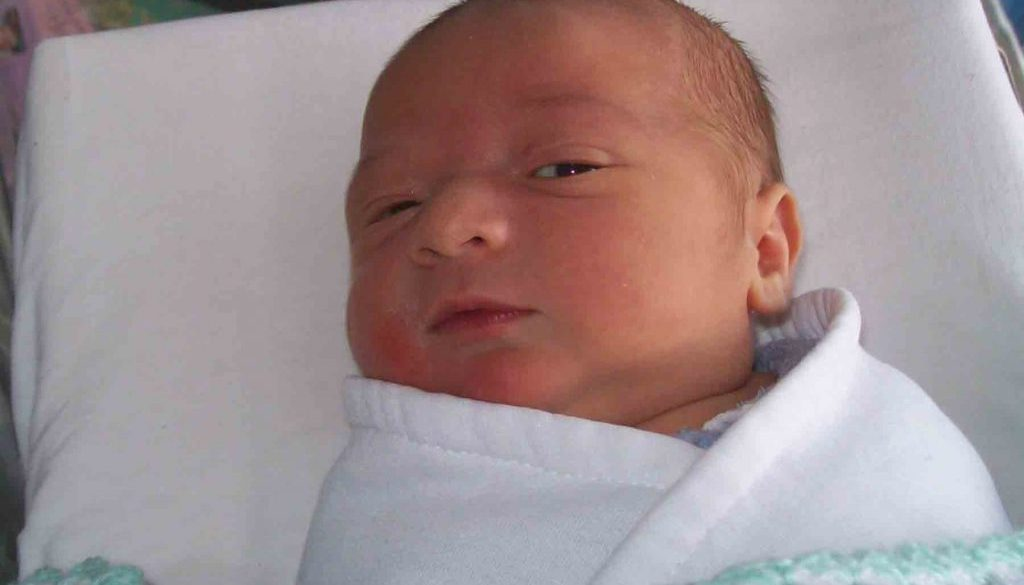 https://www.writteninwaikiki.com/tried-tested-torture-method-sleep-deprivation/ baby newborn sleep